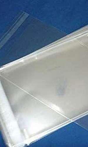Saco de plástico com adesivo transparente